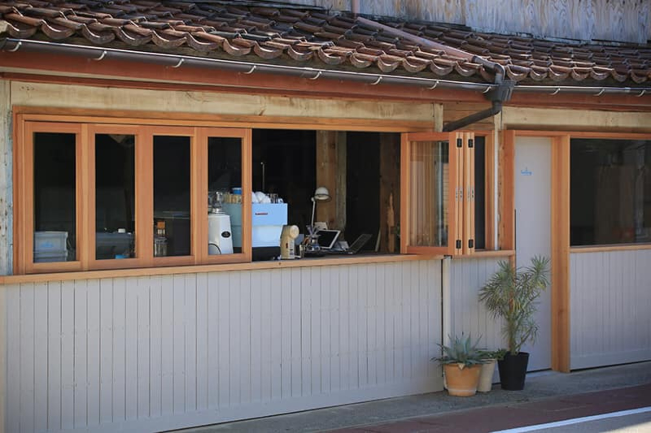 ここは、風の通過点...島根県隠岐郡西ノ島町浦郷のコーヒースタンド「セーリング コーヒー」