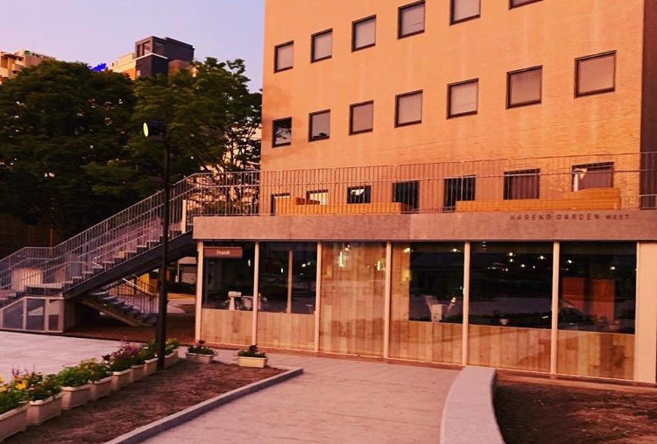 福岡市中央区西中洲のハレノガーデンウエストにベーカリーカフェ「ストック」オープン