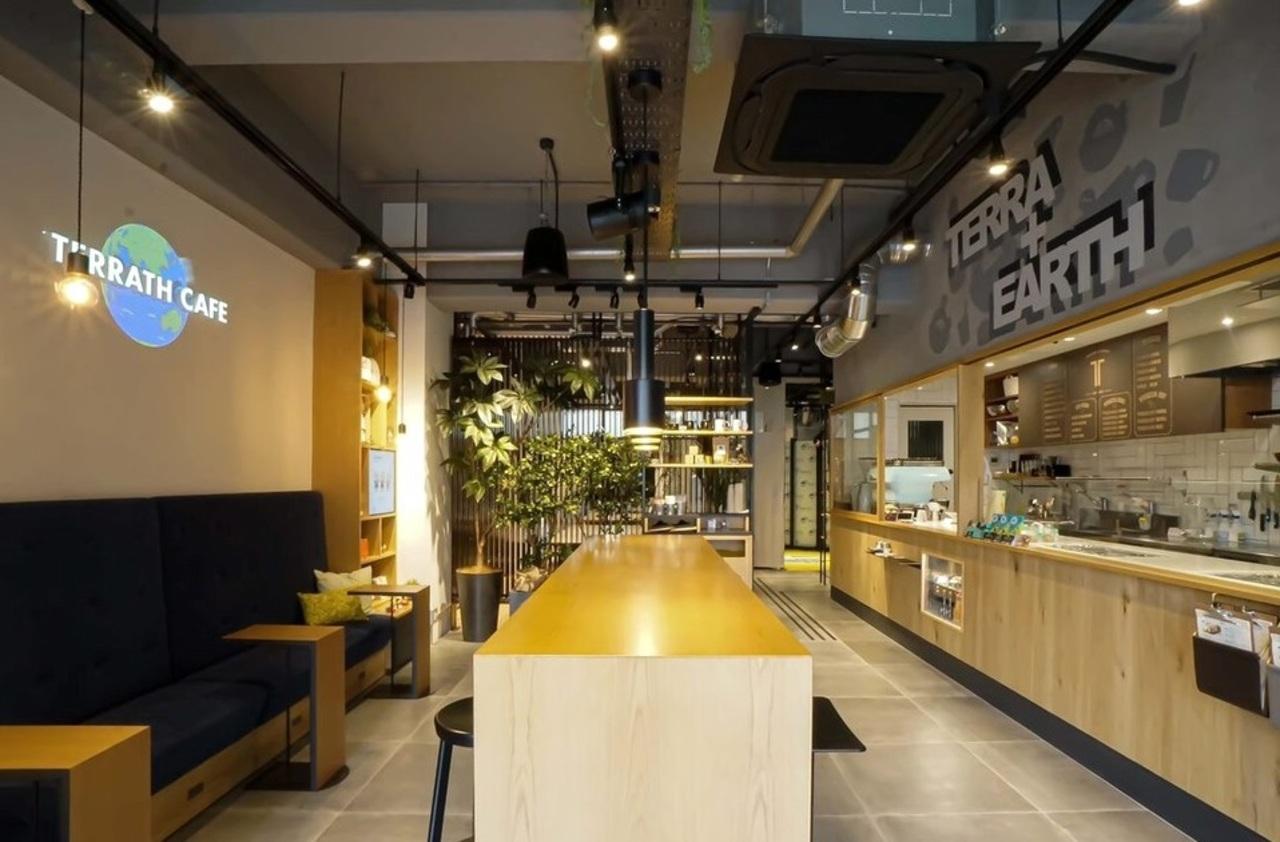 ニューコンセプトcafe...愛知県名古屋市中区平和1丁目の「テラスカフェ」
