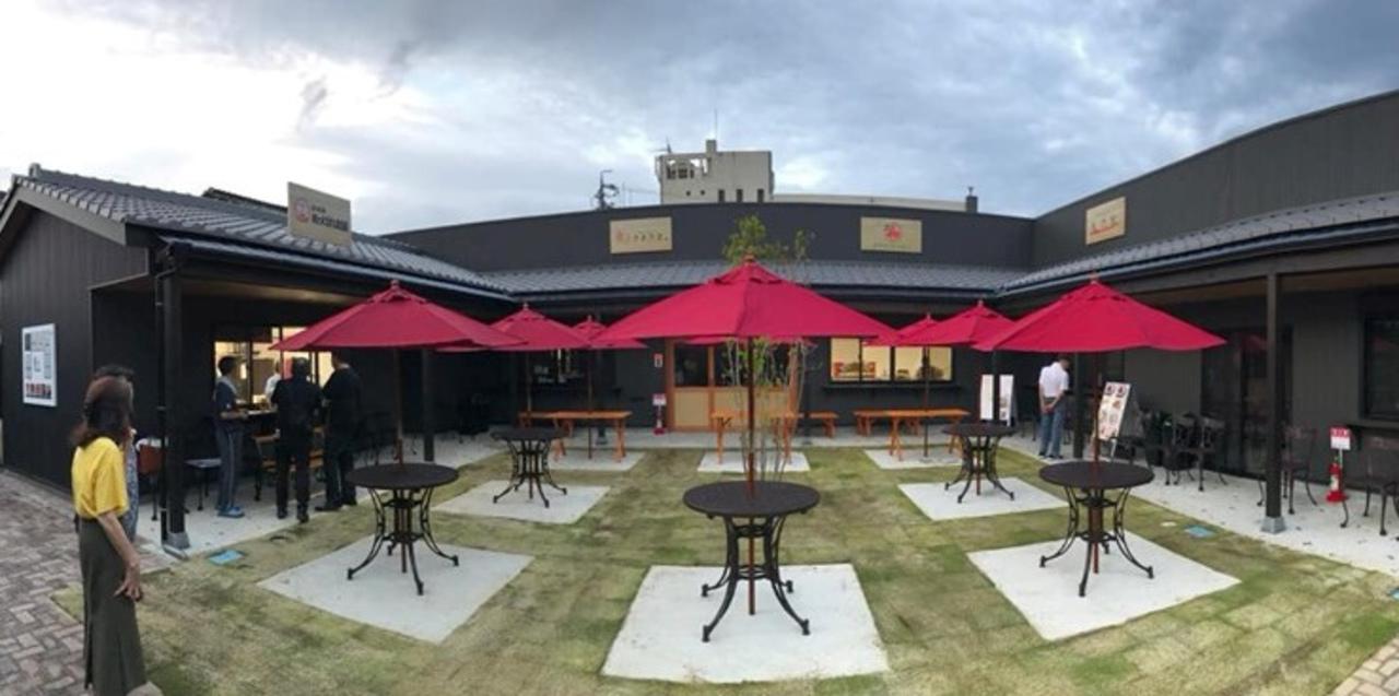 愛知県犬山城の城下町に5つの飲食店集まる広場「犬山本丸スクエア」オープン!
