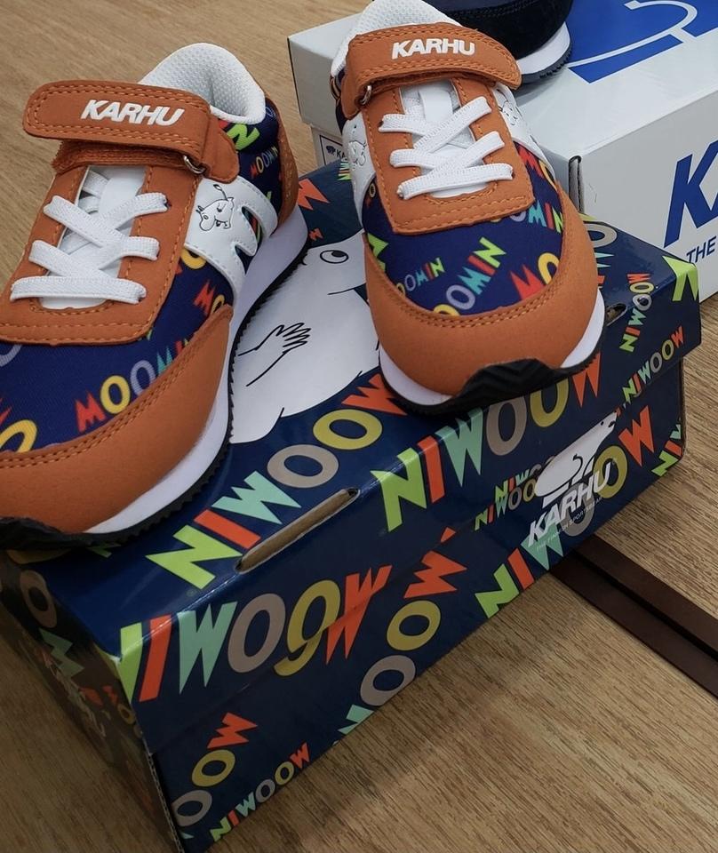 子供靴の取り扱いもあります!!