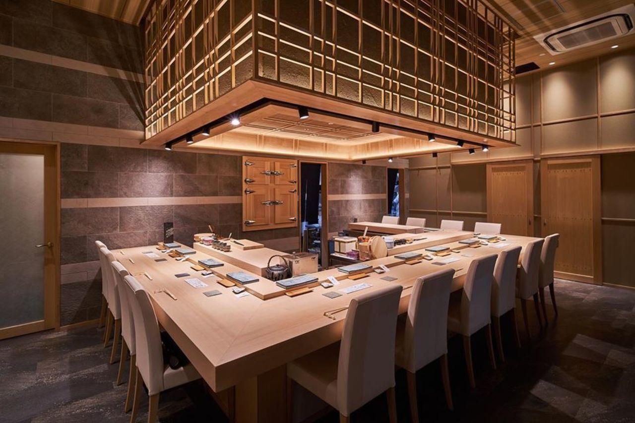 本格的な江戸前寿司...大阪市中央区平野町オービック御堂筋ビル1Fの「寿司藤やま」