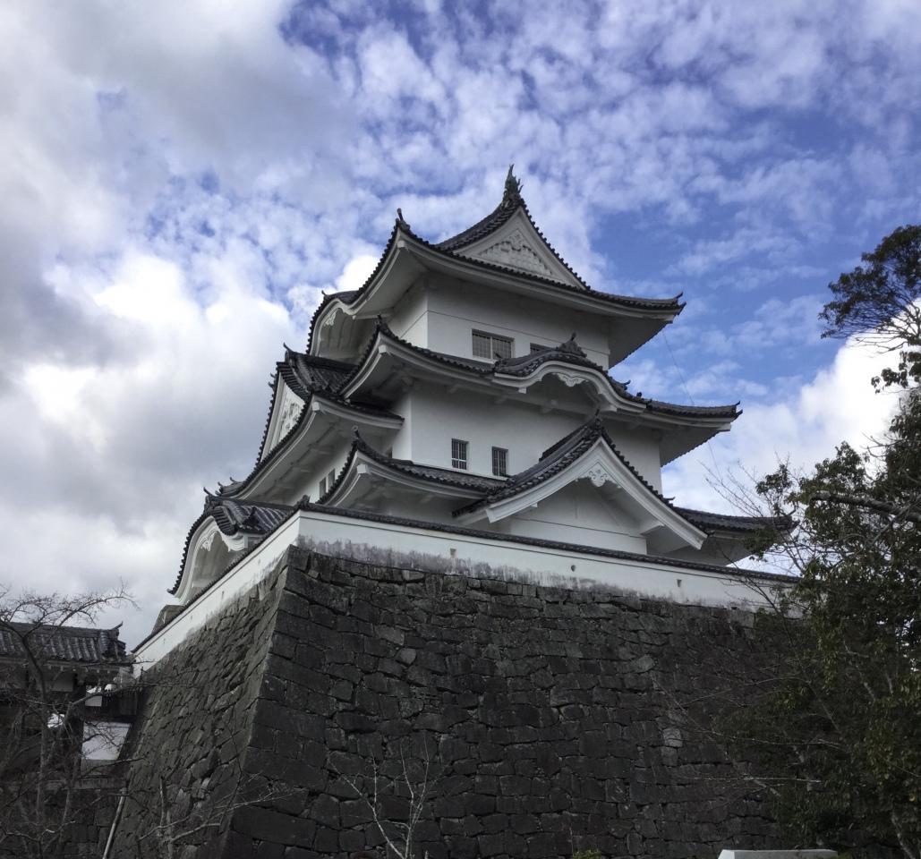 秋から冬へ。。上野城  伊賀市