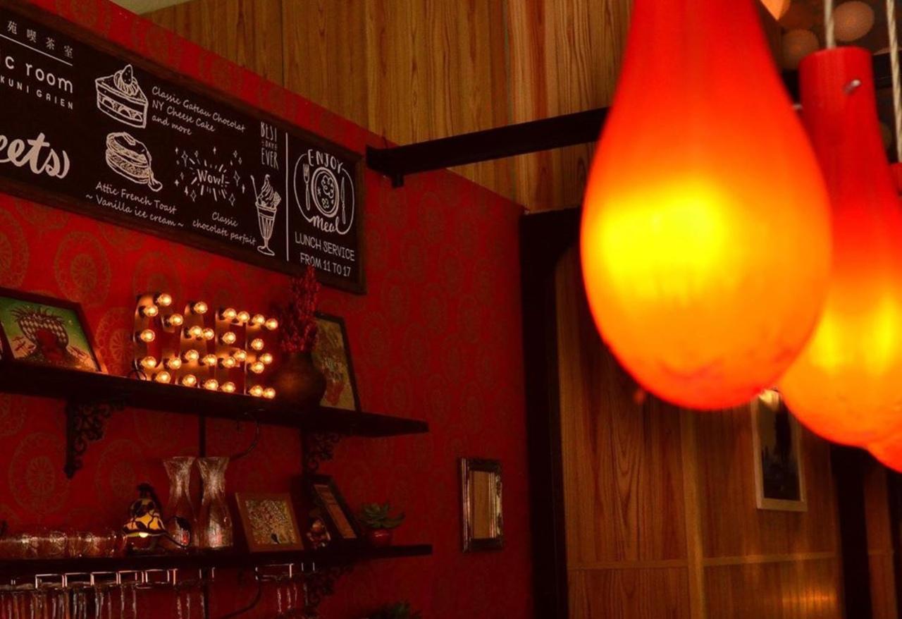 東京の靖國神社の外苑参道沿いにカフェ「アティックルーム靖国外苑」が本日オープンのようです。