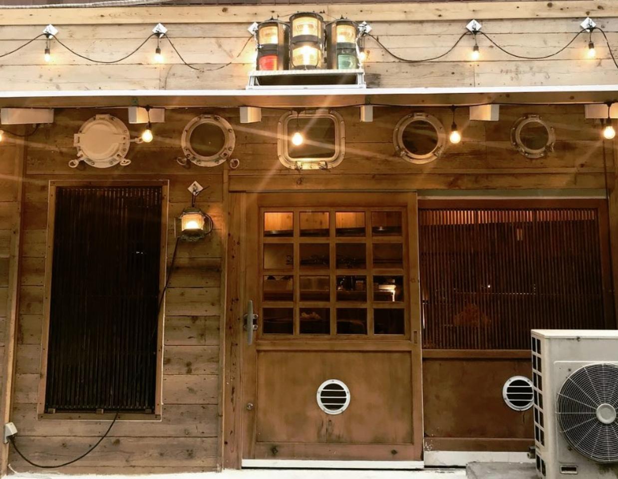 築地から仕入れた食材中心...吉祥寺駅近くに「築地スパイス食堂 かぶと」プレオープン