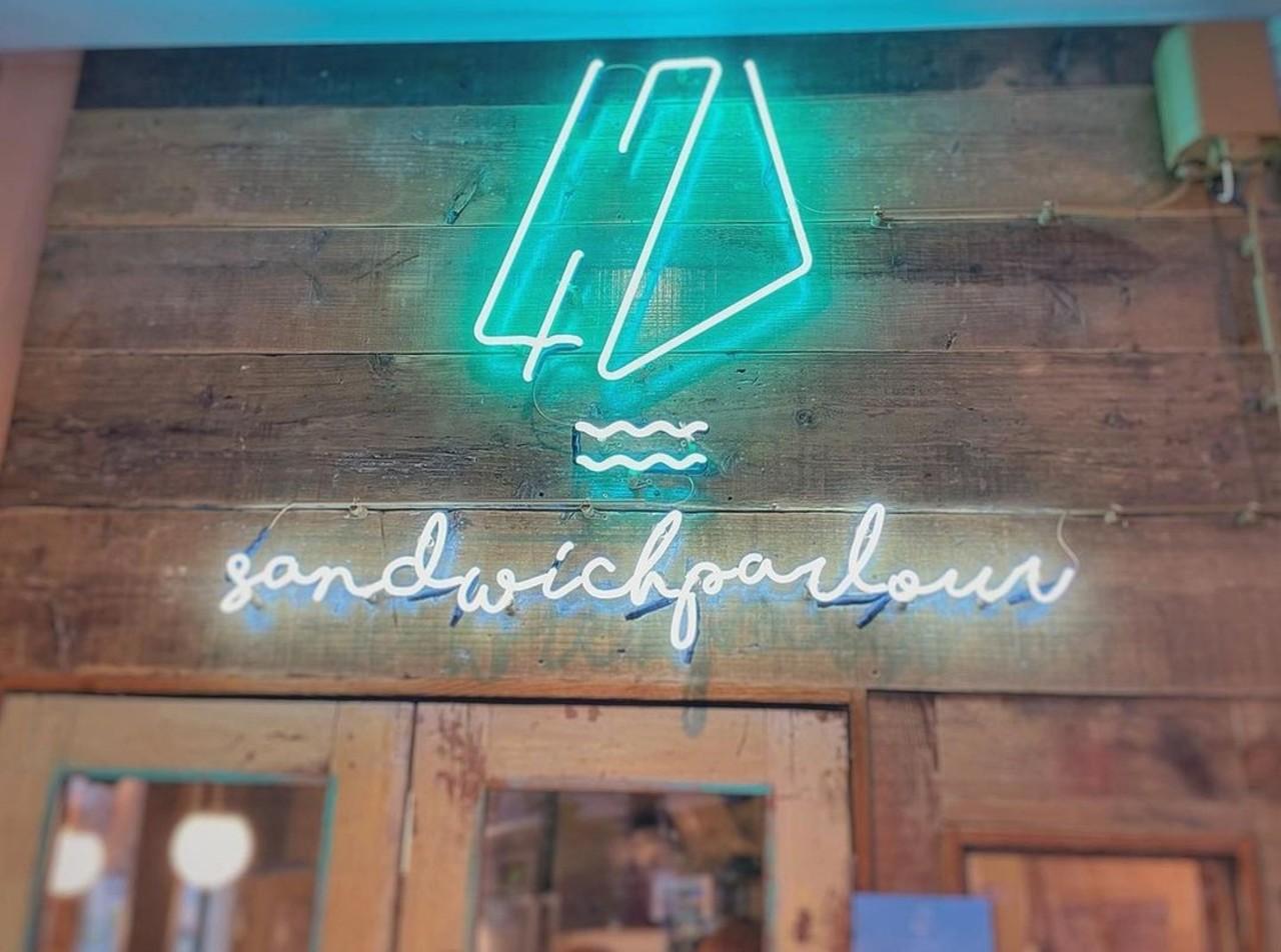 川と、テラスと、サンドイッチと...大阪市中央区北浜に「サンドイッチパーラー47」5/27オープン