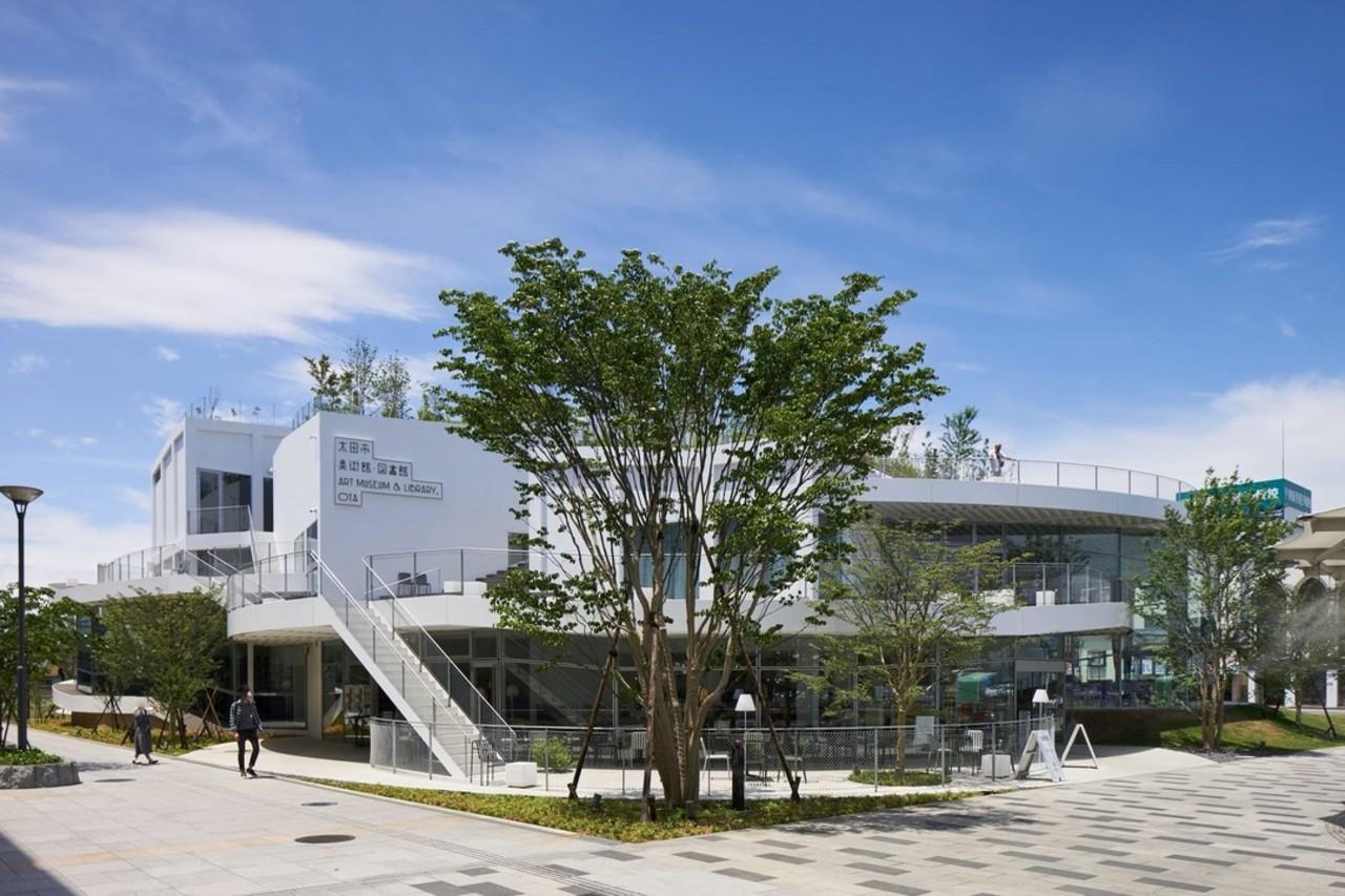 平田晃久設計の市立文化複合施設...群馬県太田市東本町の「太田市美術館・図書館」