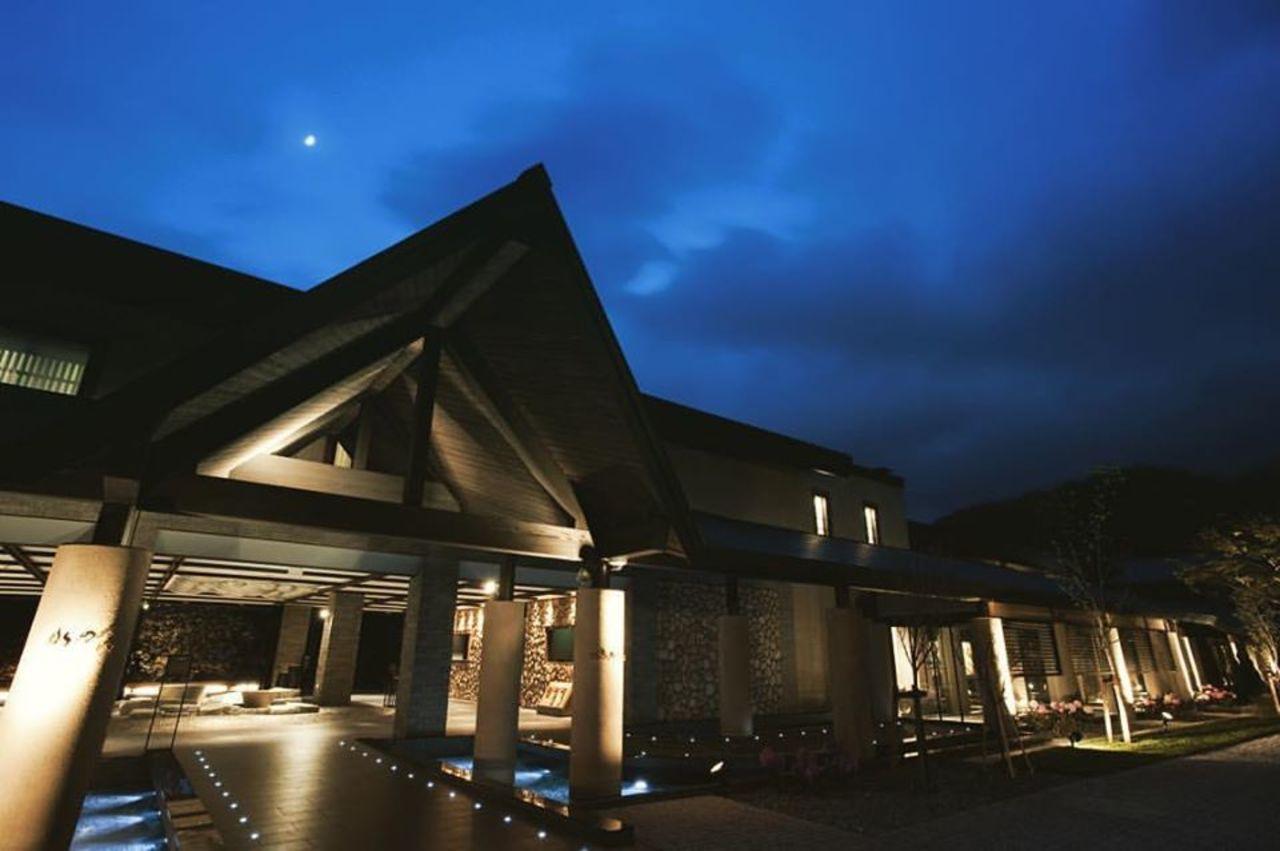 北海道支笏湖のリゾートホテル『しこつ湖 鶴雅リゾートスパ 水の謌』