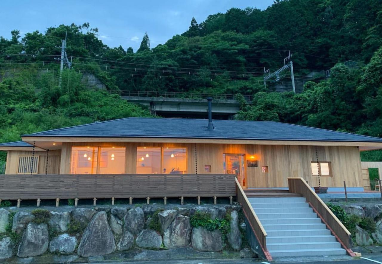 建物をフルリノベーション... 滋賀県高島市鵜川にカフェ『ルヴァン』7/13グランドオープン