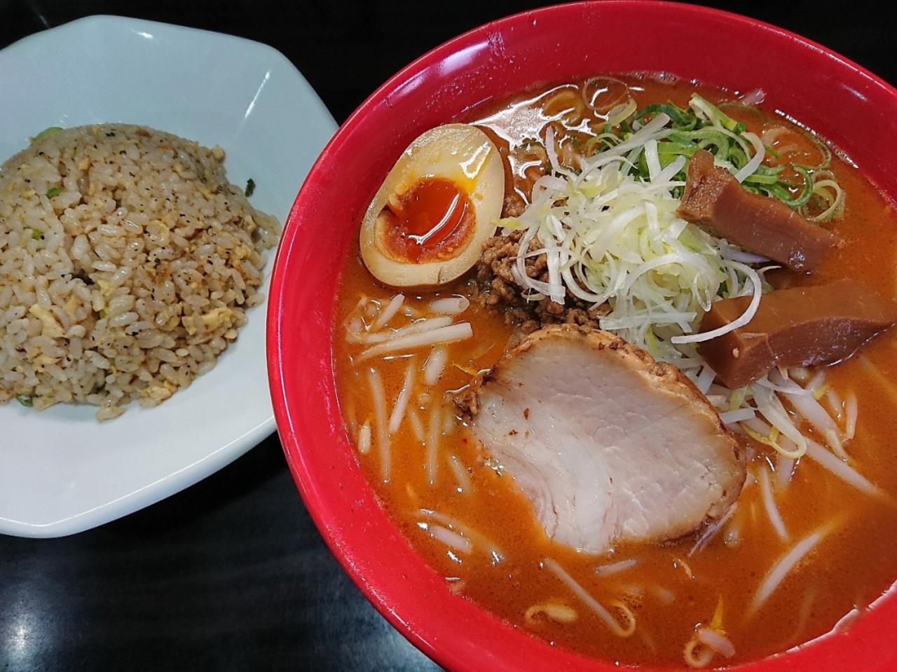 東淀川区豊新3丁目の人気ラーメン店『麺蔵 ひの屋』。。。