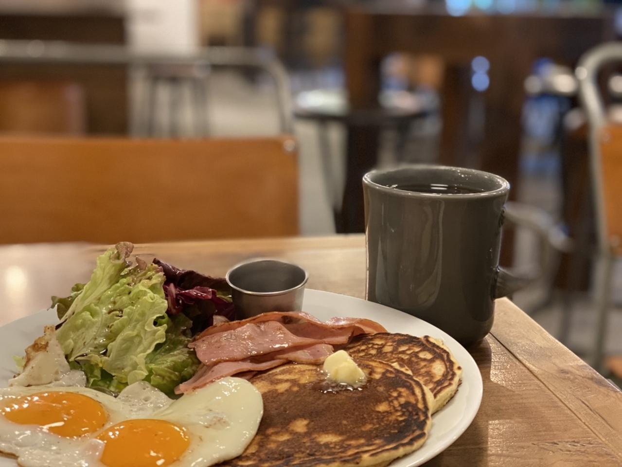 今朝は、堺筋本町駅近くのKAILUA HOUSEでパンケーキを。。