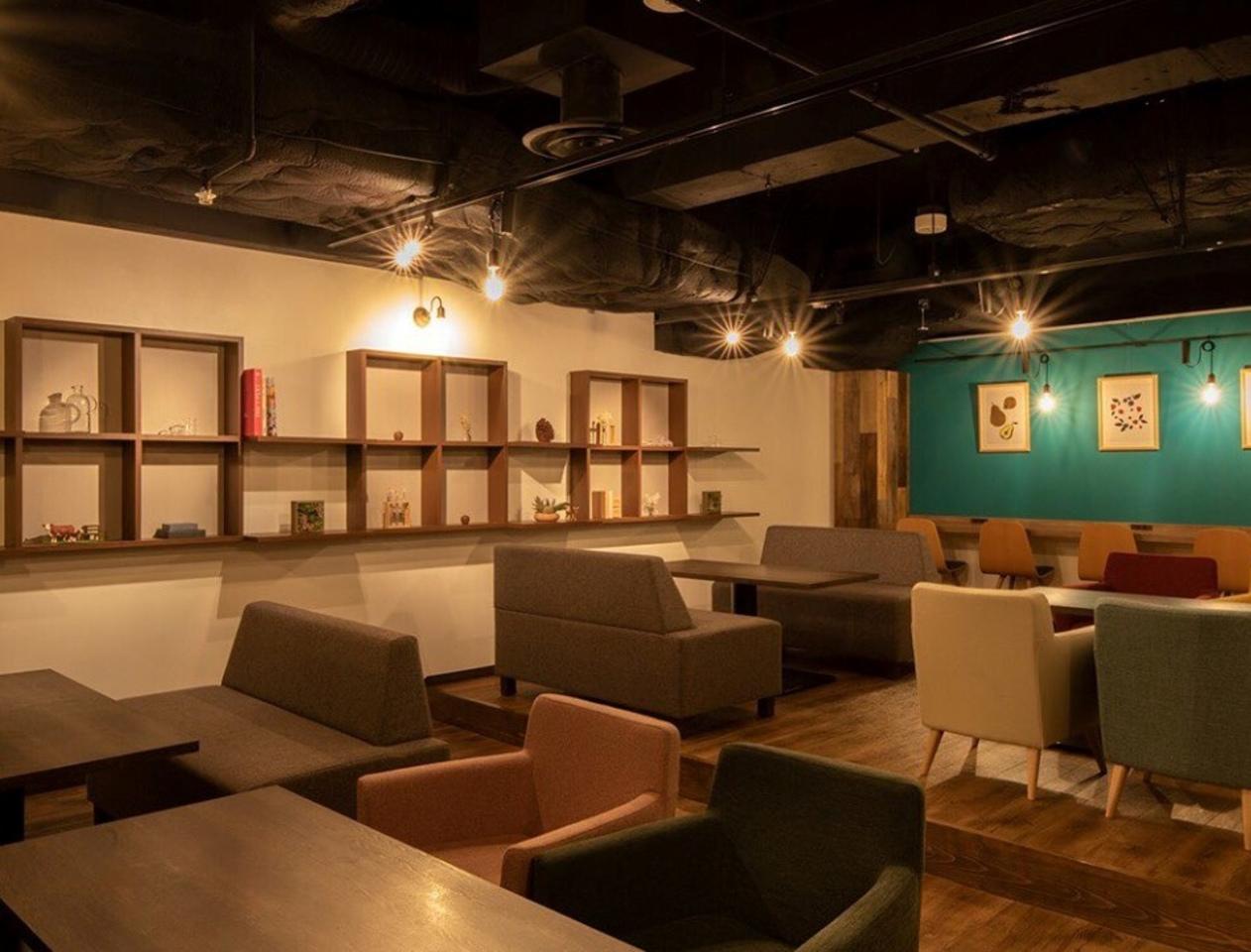 札幌市中央区北1条西3丁目にカフェ&スイーツ×バー「ミライスト」が明日移転グランドオープン。