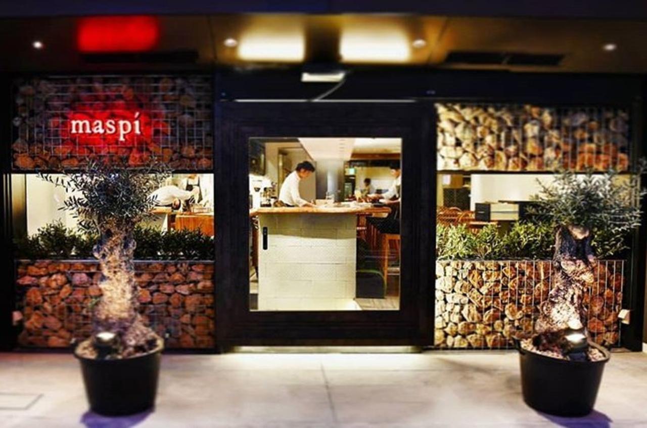 大阪の阪急梅田駅北側高架下の飲食街茶屋町あるこ内のスペインカタルーニャ料理「マスピ」