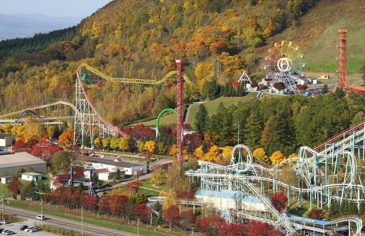 北海道最大級の遊園地...北海道虻田郡の「ルスツリゾート遊園地」