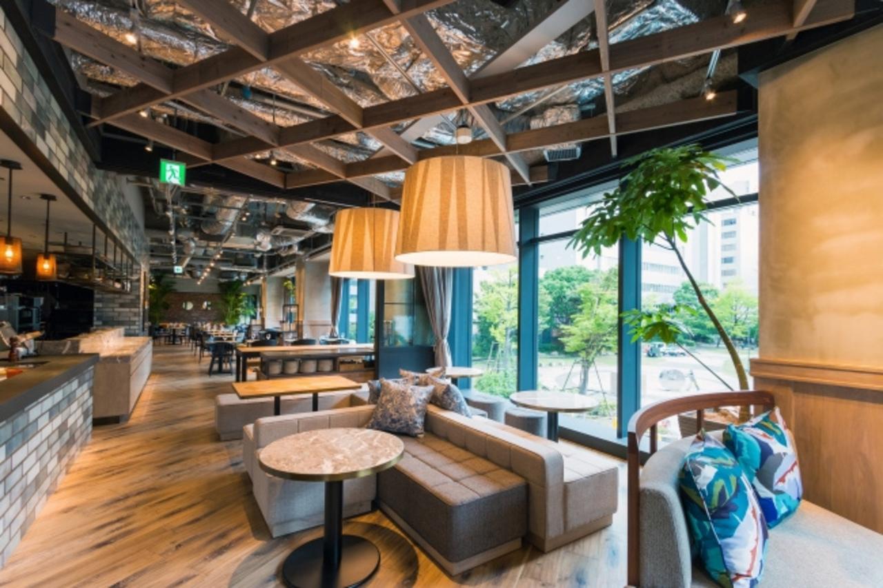 博多駅前通りのザブラッサム博多プレミア2Fにレストラン&グリル「ナインドアーズ」明日オープン!