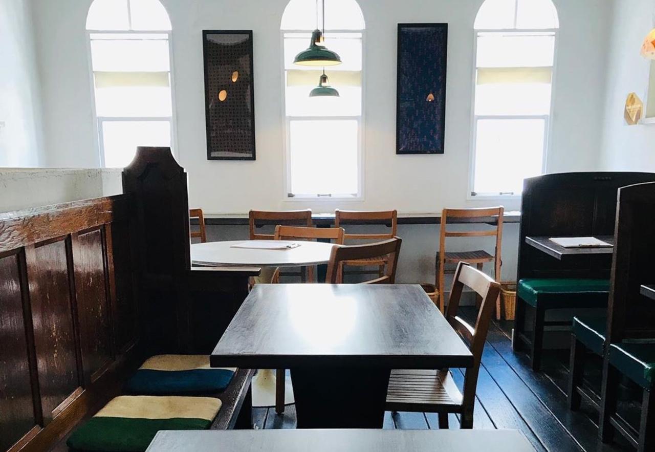 街の小さな食堂。。兵庫県神戸市中央区海岸通1丁目の『ハオス ダイニングルーム』