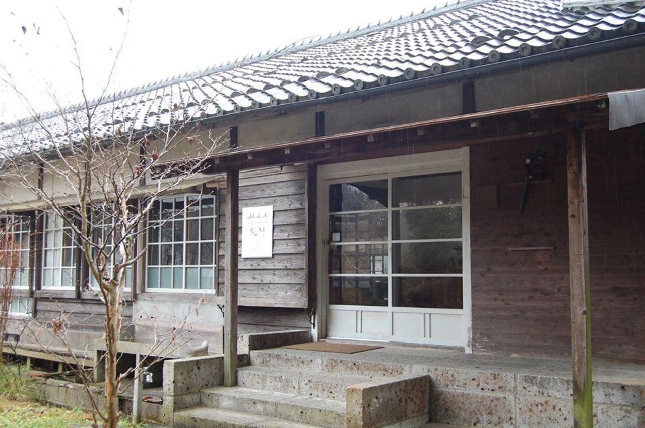 木造校舎を改装...滋賀県甲賀市甲南町野川の「パティスリーミア&ギャラリーマンマミーア」