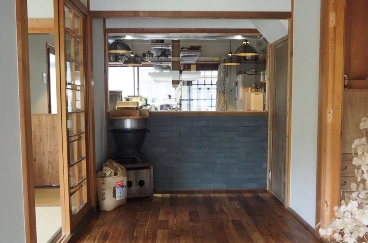 里山の古民家を改装した料理店。。兵庫県川西市黒川谷垣内の褒美玄米専門店『稲妻家』