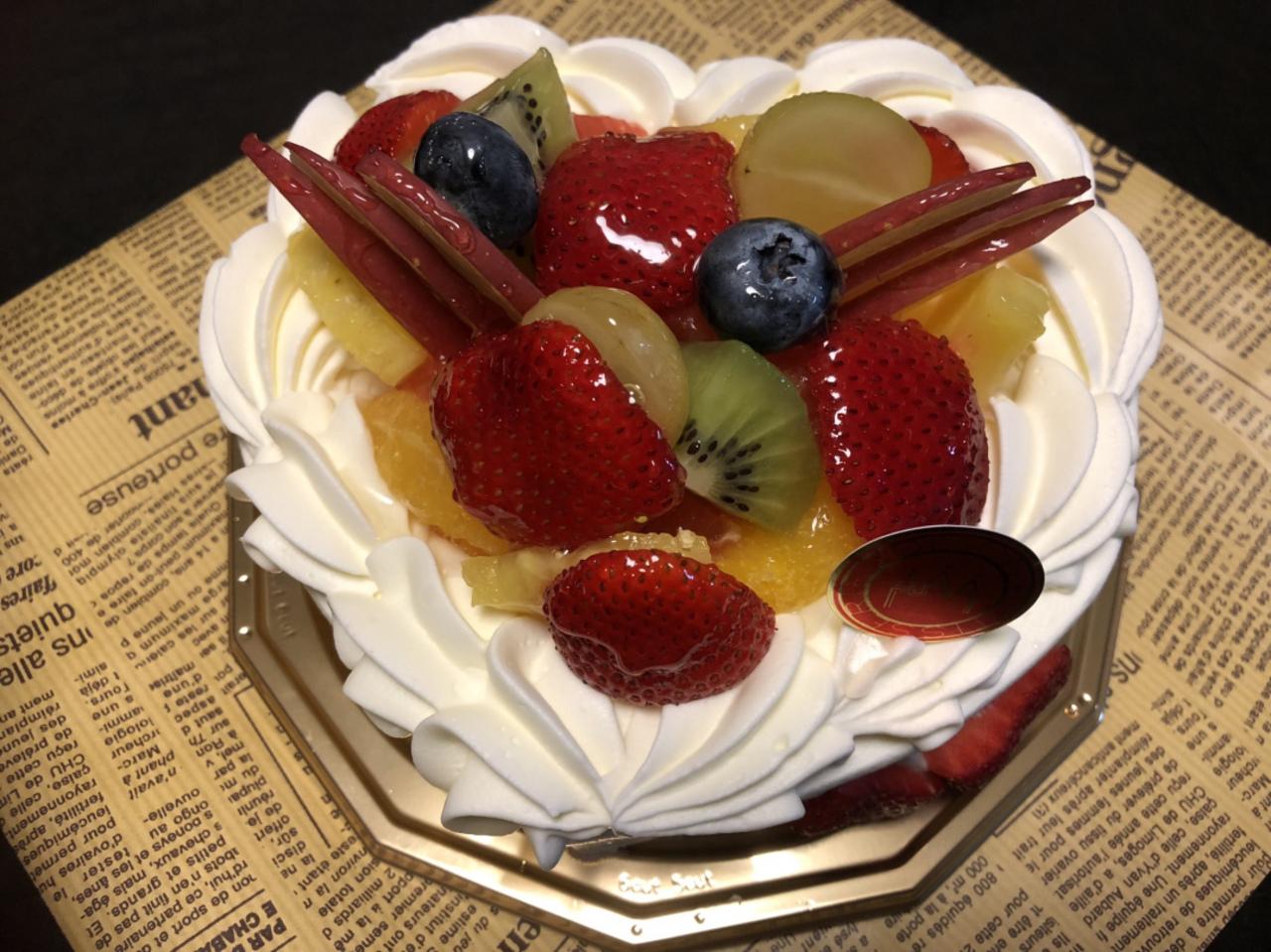 パティスリー ジョリオンのホールケーキを頼んでみた!