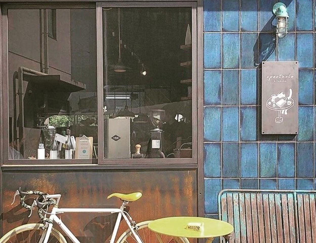 カヌレとロンネフェルト紅茶のお店。。大阪市中央区北浜1丁目の『スペクタークル』