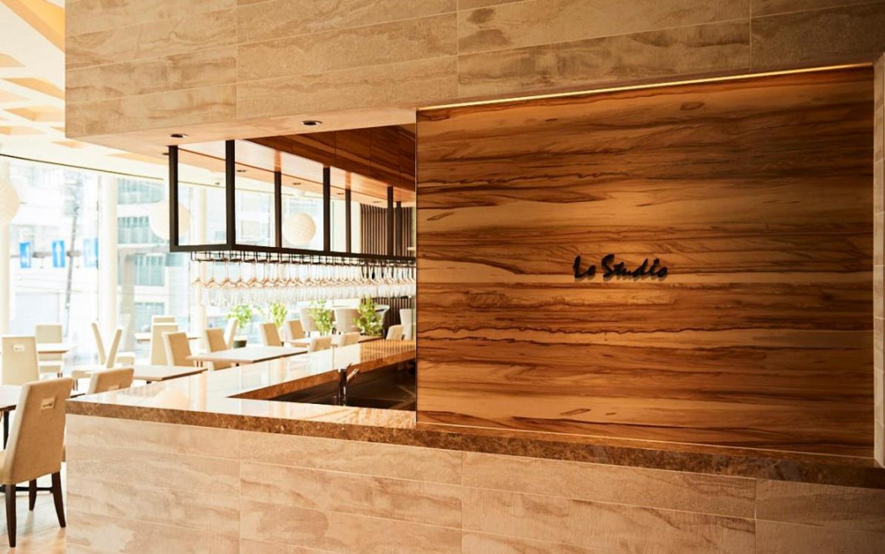 代々木公園交差点前フレンチレストラン「LeStudio」6月14日グランドオープン!