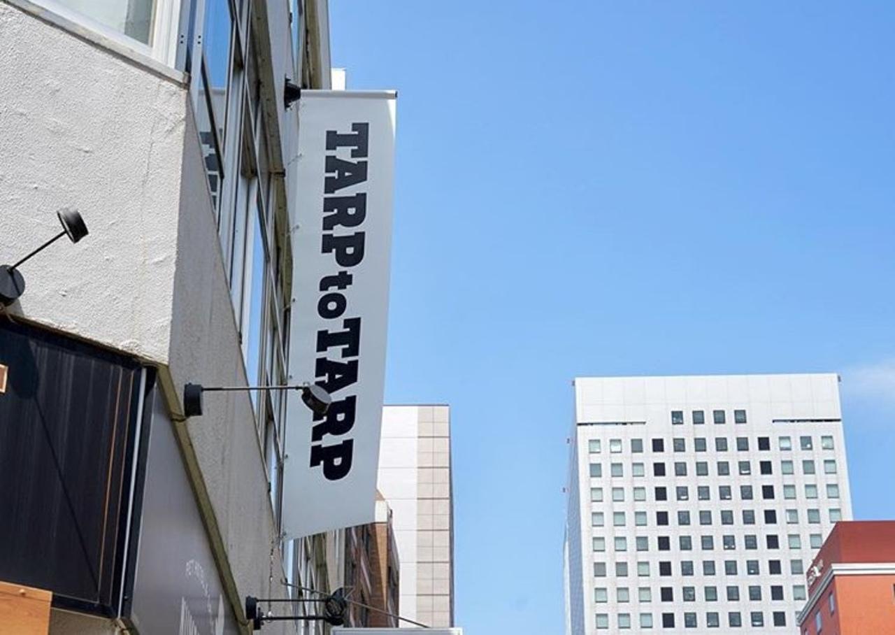 人とタープと人...横浜市中区太田町にカフェ&ショップ「TARPtoTARP」オープン