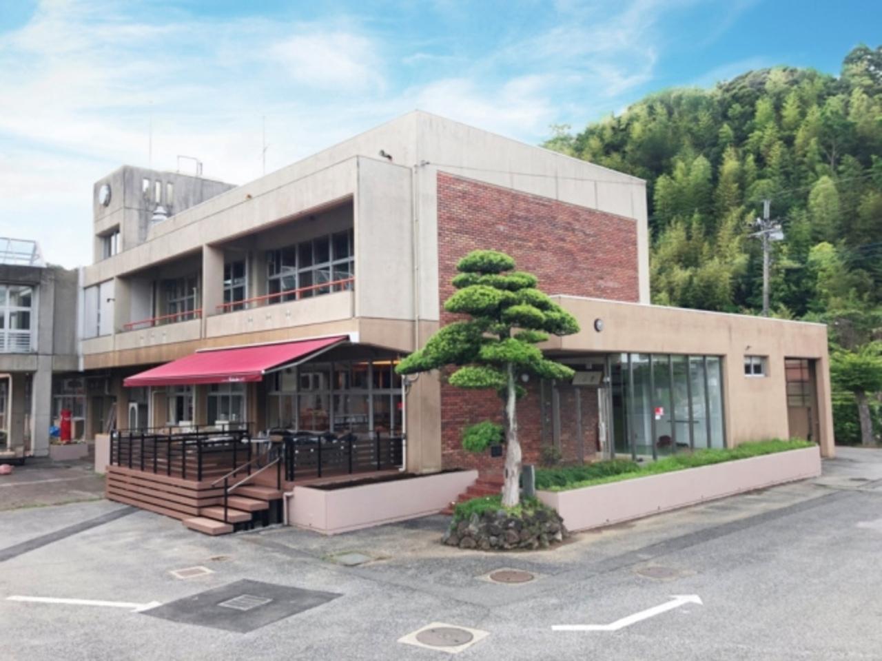 千葉 長南町の廃校を活用『仲間と泊まる学校 ちょうなん西小』オープン。
