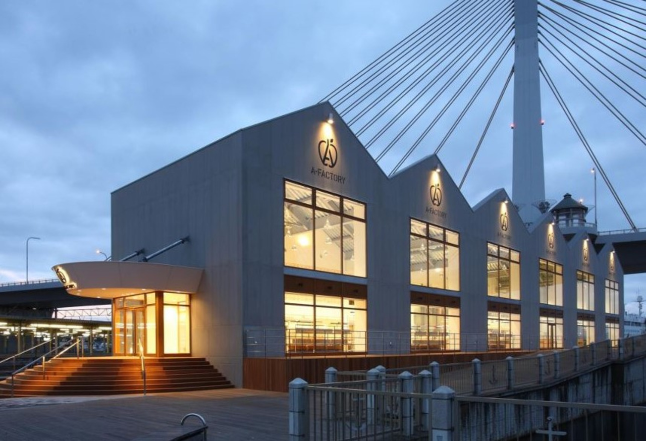 青森の産物・地域文化を発信する工房・市場...青森市柳川の複合施設「エーファクトリー」
