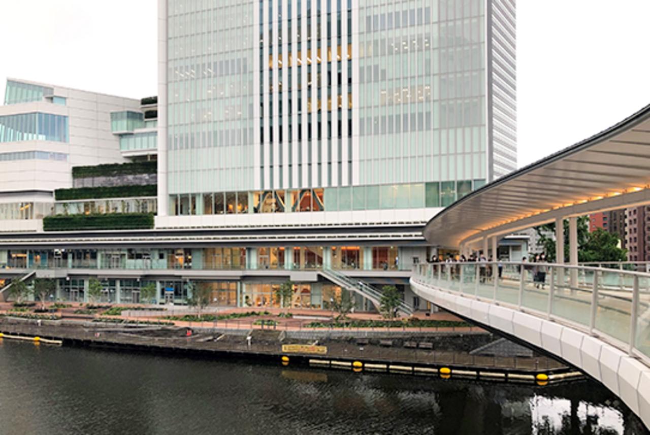 横浜市中区の横浜市役所内商業施設「ラクシス フロント」が8/5グランドオープンされたようです。