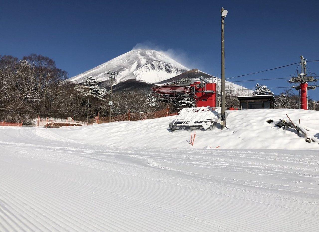 富士山2合目のスキー場...静岡県裾野市須山字藤原の「スノーパークイエティ」