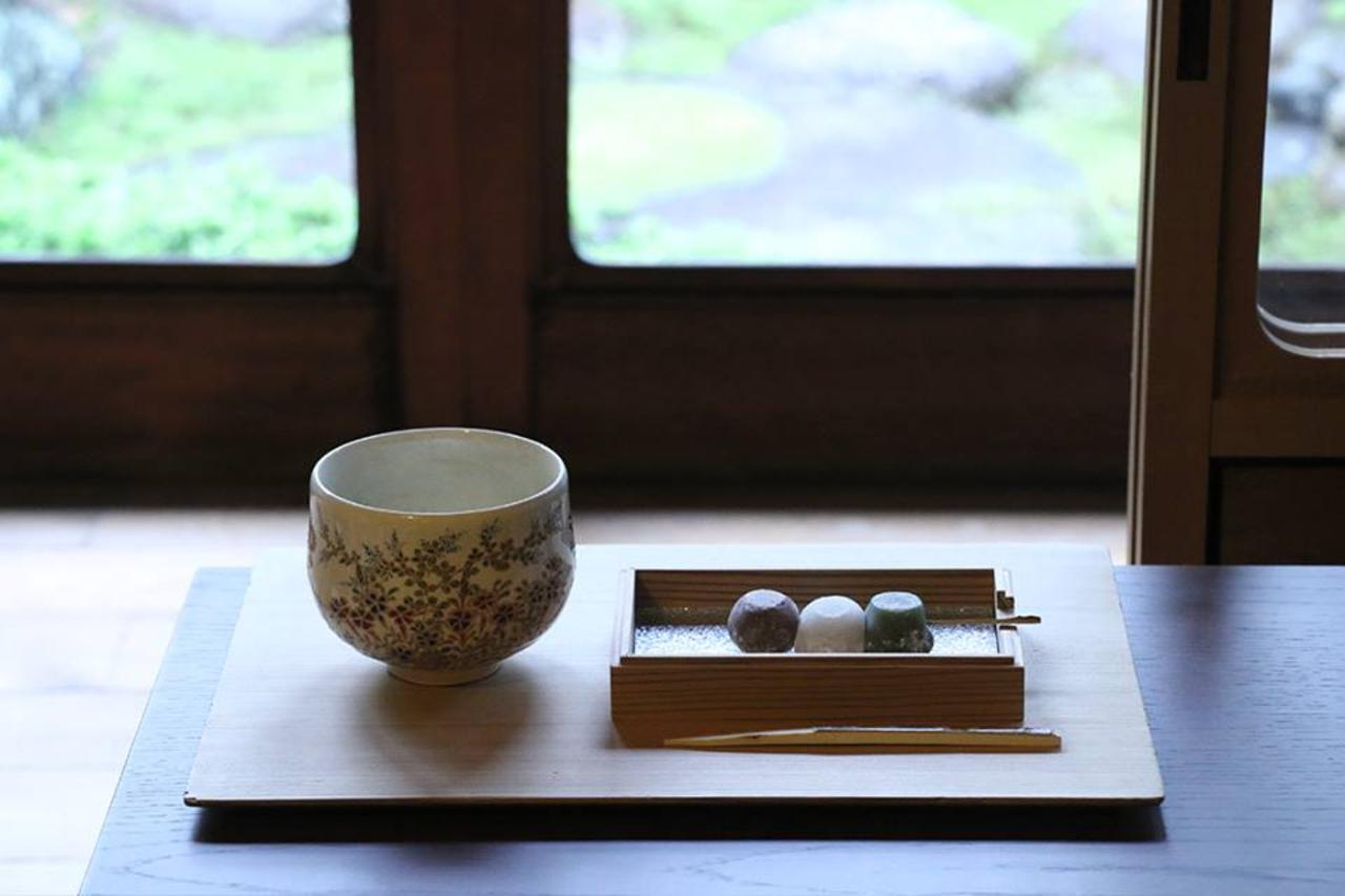 奈良町元林院町「遊 中川」本店奥に..「茶論」誕生