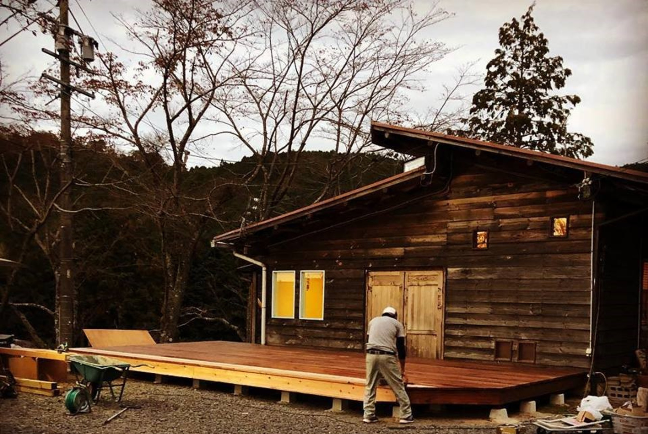 青蓮寺湖を見下ろす森の中のカフェ...名張市青蓮寺に『ユノカフェ』11/13リニューアルオープン