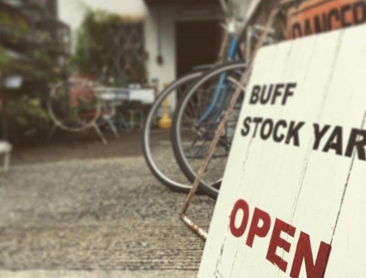 【 BUFF STOCK YARD 】ヴィンテージ家具・雑貨(大阪府箕面市)