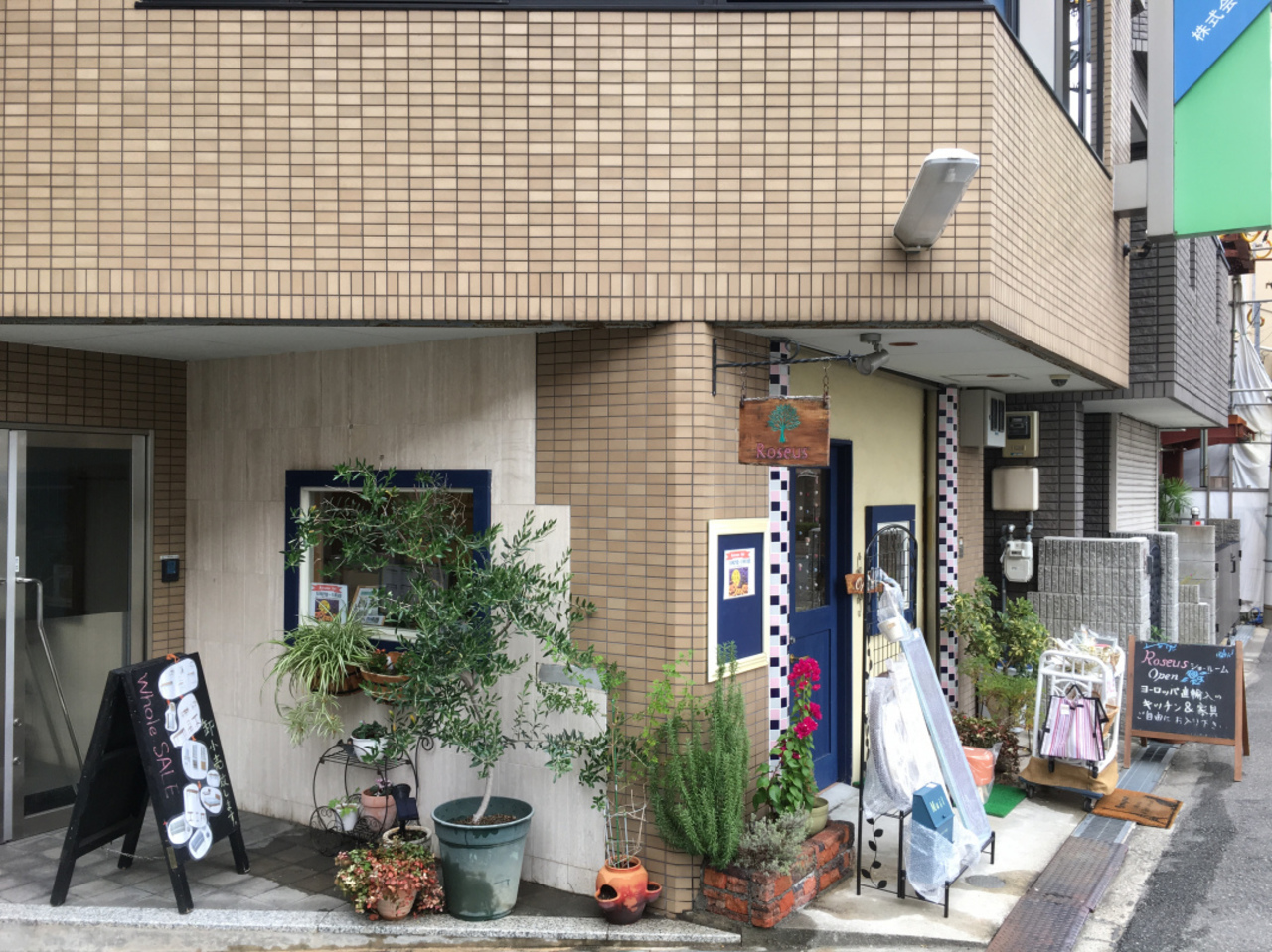 大阪 天王寺にあるロセウスでは家具とインテリア雑貨のオータムセール開催中です