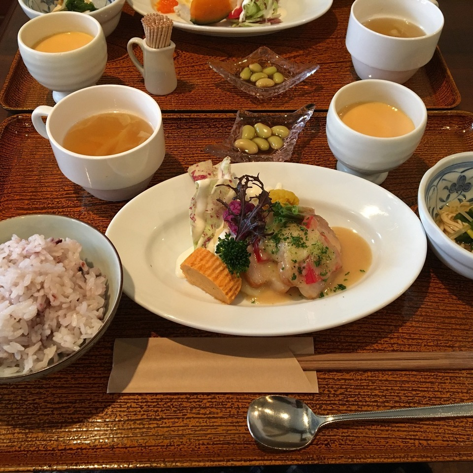 [十三]カフェ 和ダイニング 旬菜ココット