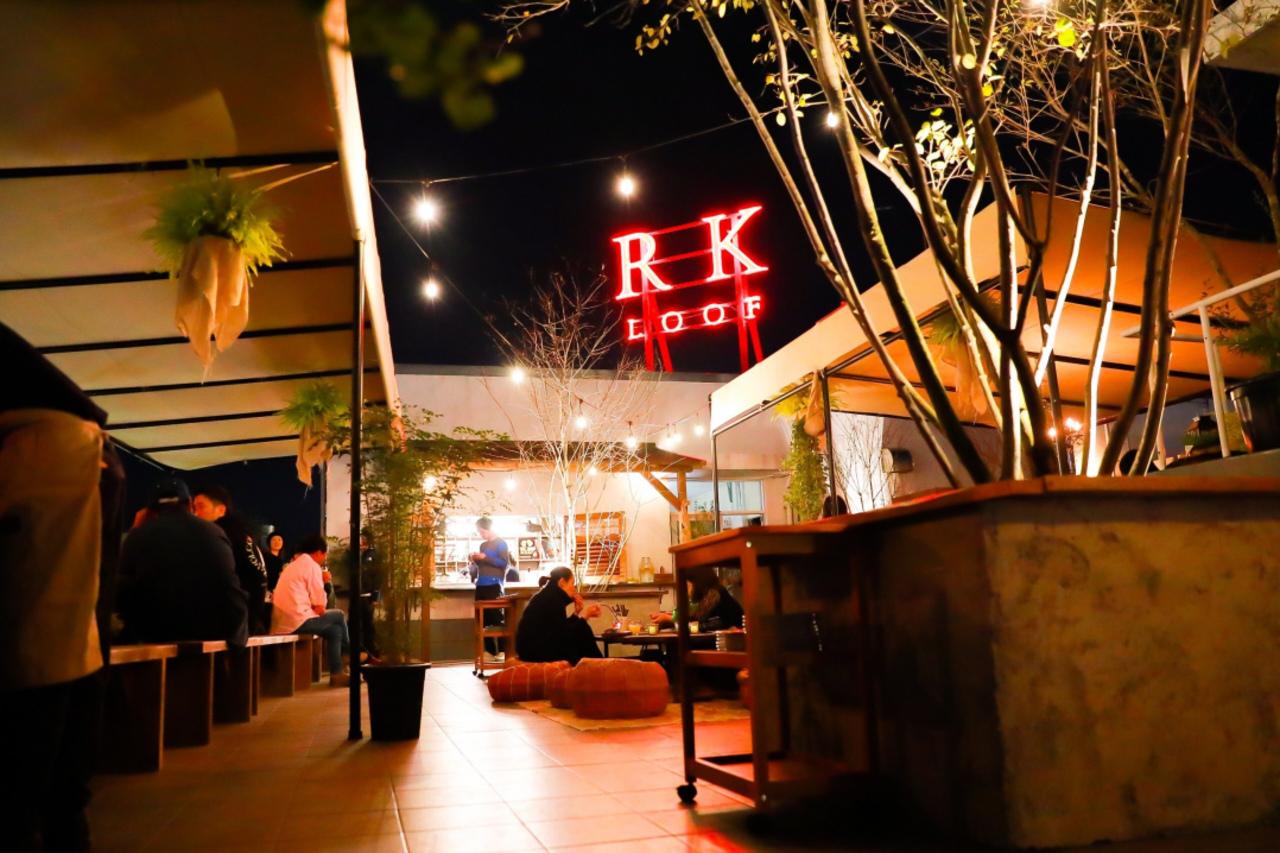 群馬県高崎市連雀町のスズメビルヂング屋上にレストラン「RK LOOF」オープン!