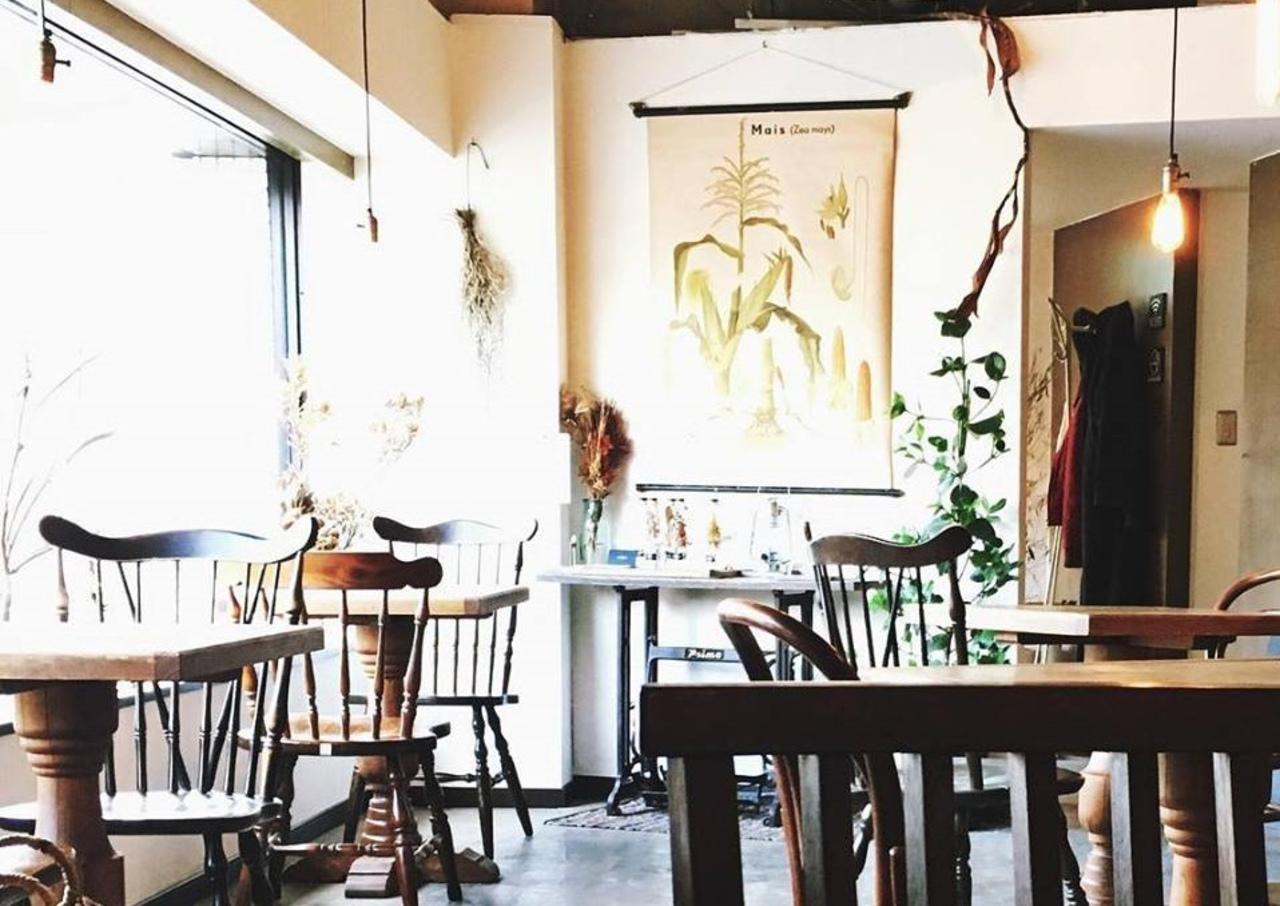 異国感溢れた自家焙煎珈琲カフェ...札幌市豊平区豊平3条7丁目の「カフェ トコシエ」