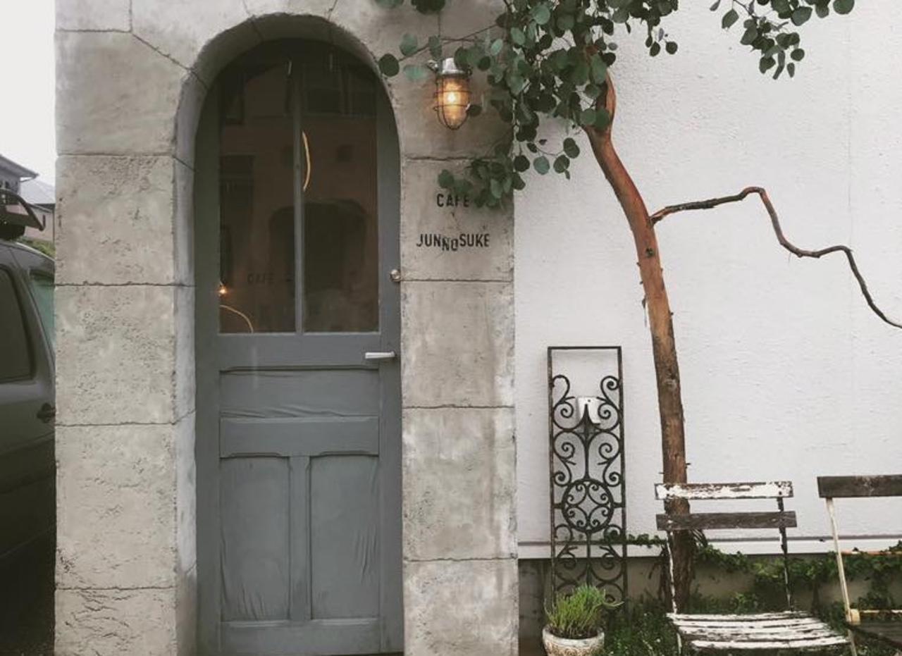 小さなフランスの空間...長崎県諫早市日の出町のカフェ「ジュンノスケ」