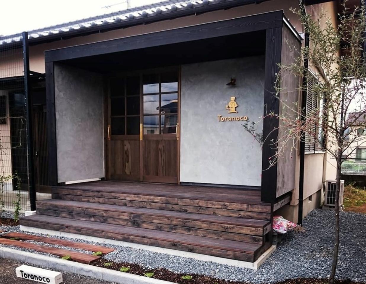 平屋を改装したお洒落な洋菓子店。。静岡県田方郡函南町平井に『トラノコ』10/18移転オープン