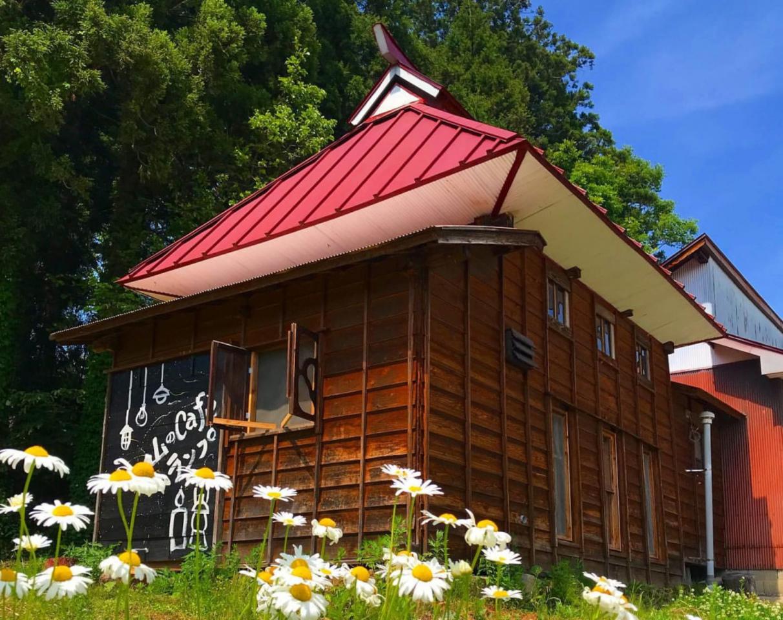 なんだか落ち着く...新潟県上越市板倉区猿供養寺に『山のcafeランプ』オープン