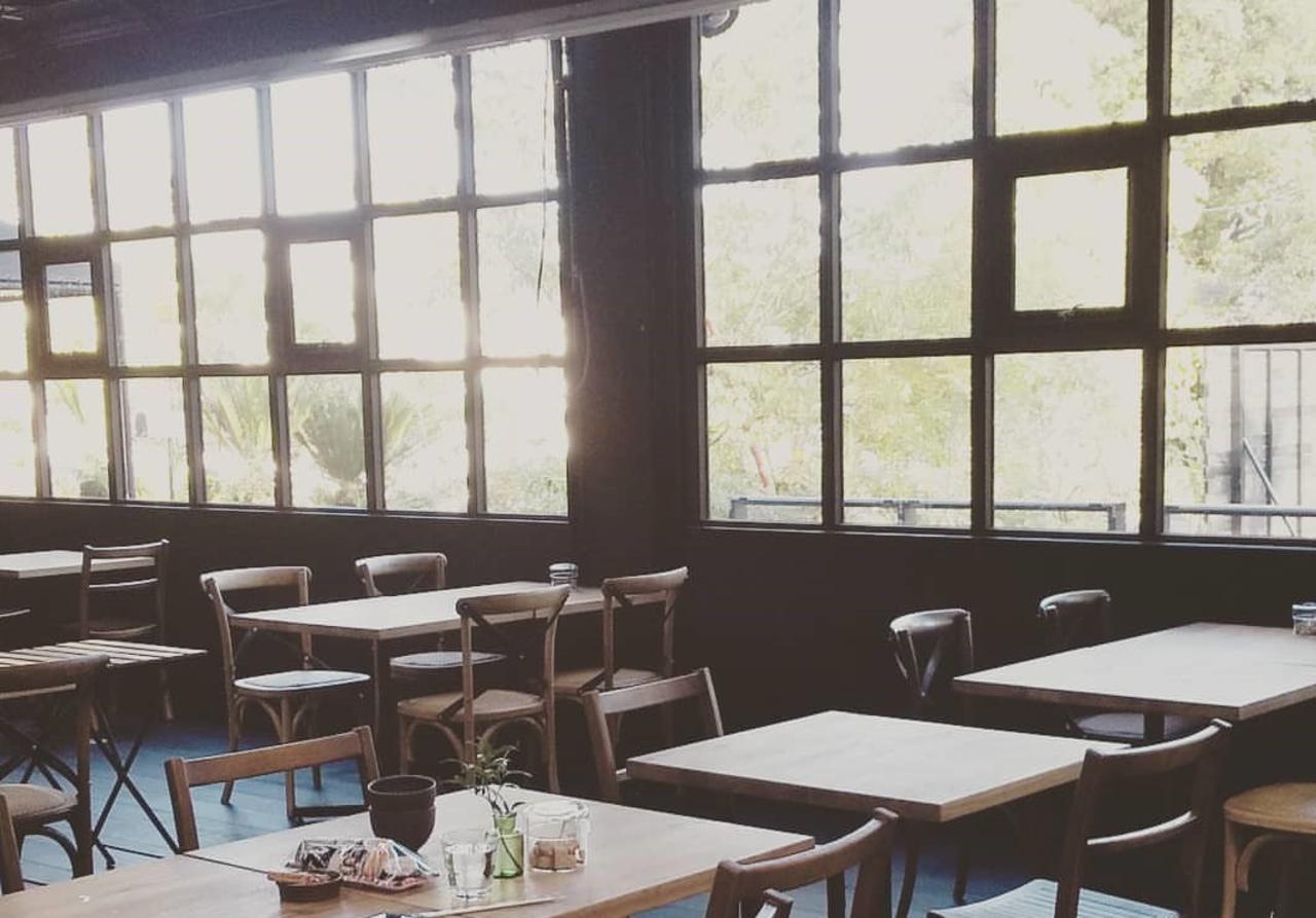 お客様にとってくつろぎの空間...岐阜県揖斐郡大野町稲富に『カフェゆらら』移転オープン