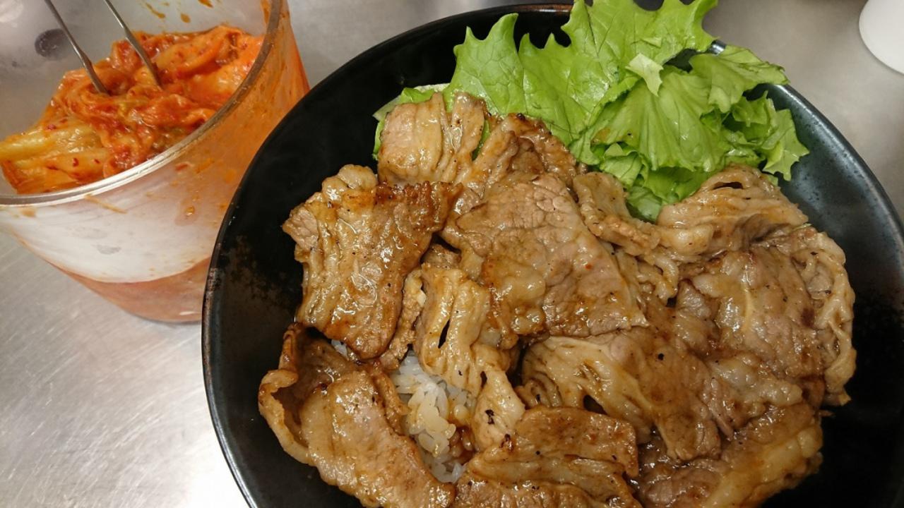 炭火焼肉 丼 牛すき焼き「肉のヤマキ商店十三店」。。。