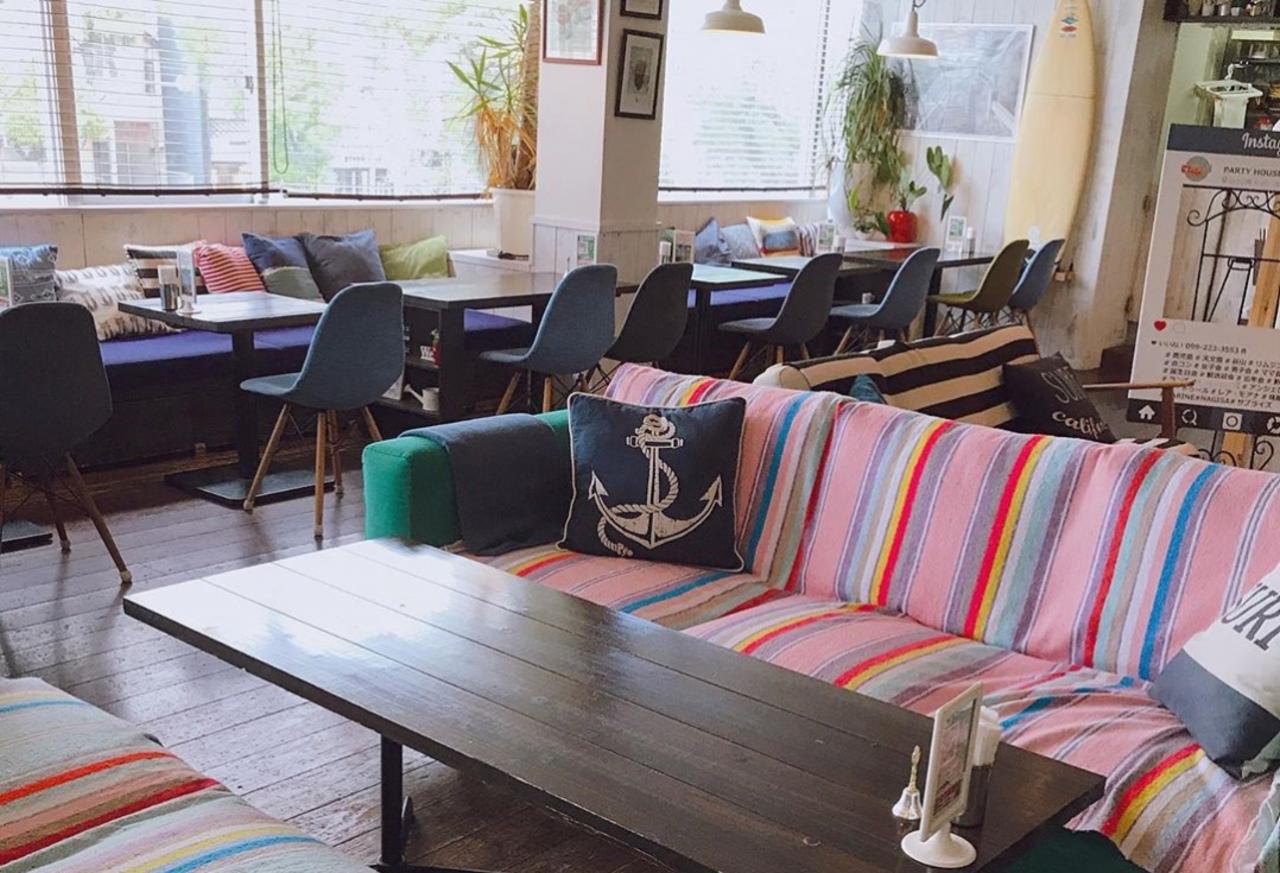 西海岸をイメージしたカフェ...鹿児島市山之口町の「アンジェロカフェ」