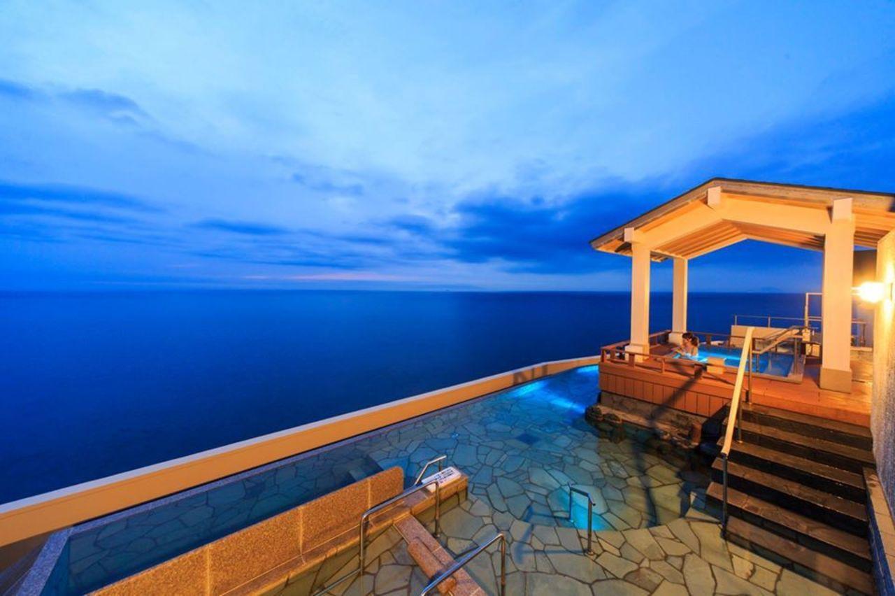 伊豆・稲取温泉の旅館『食べるお宿 浜の湯』