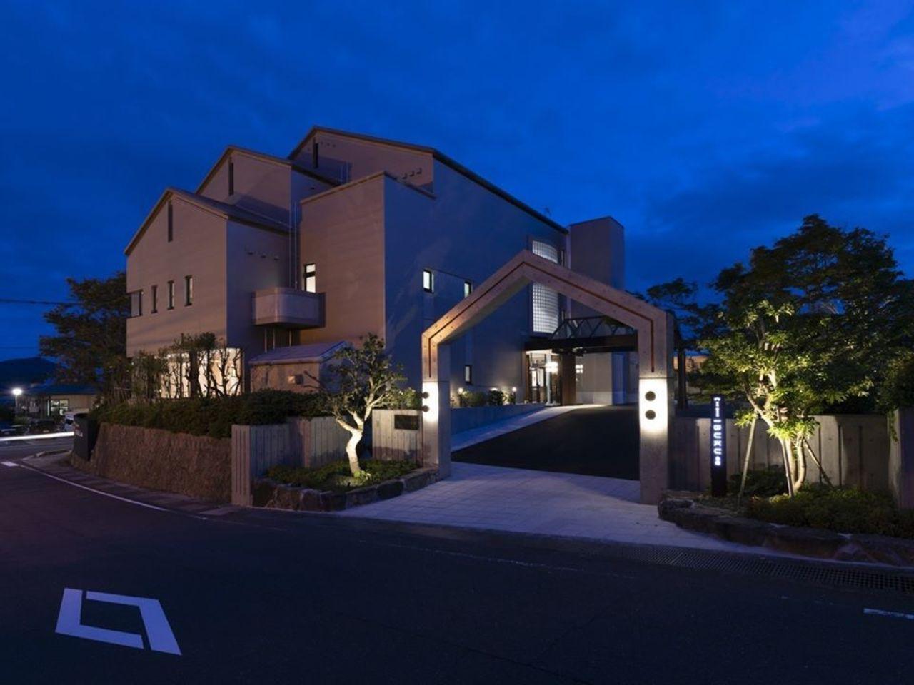 広島の宮島を望む温泉付き旅館『宮島 離れの宿 IBUKU』