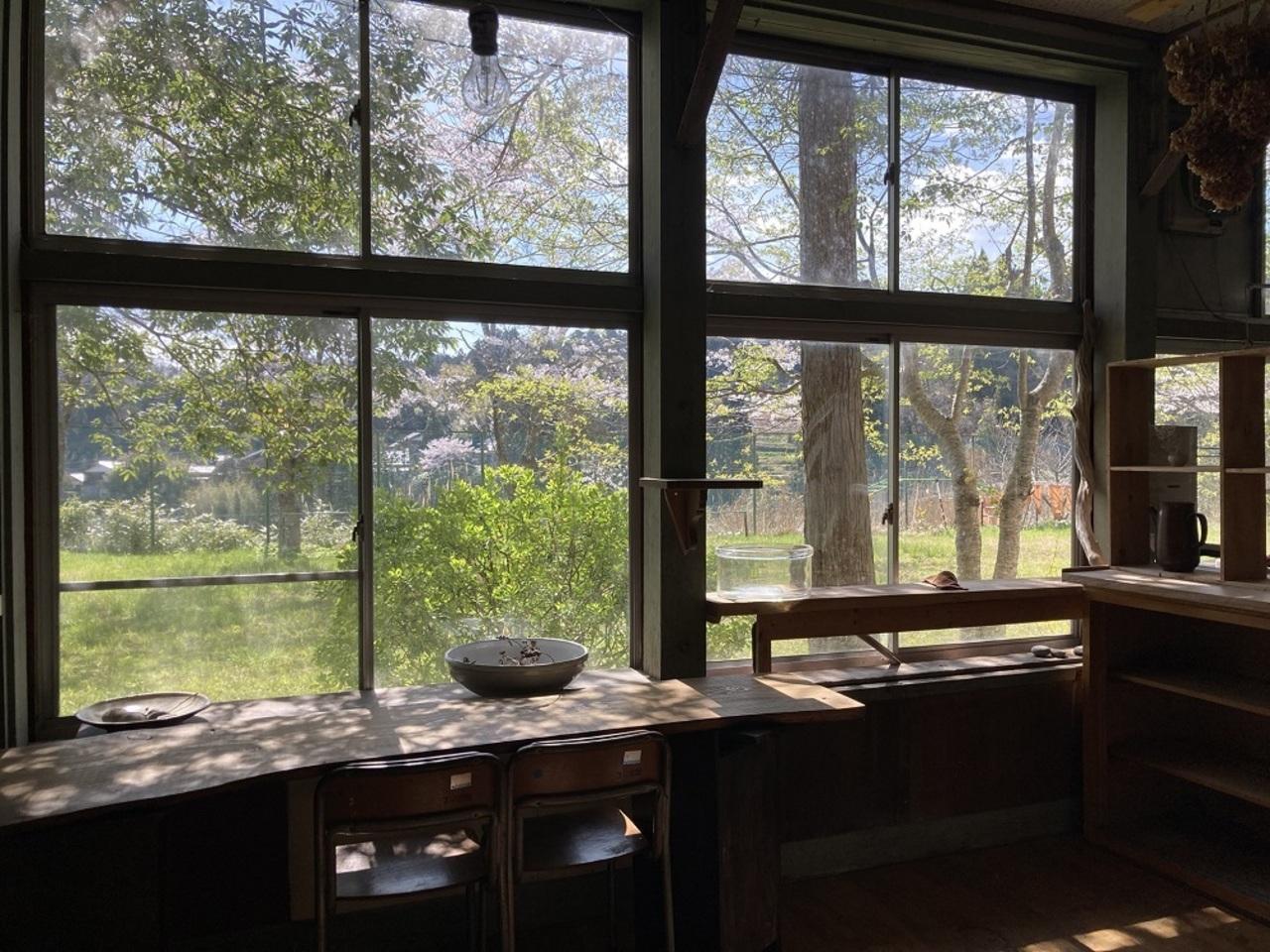 廃校の教室をカフェに。。。新潟県佐渡市羽茂大崎に『里山カフェ山里』5/3-5プレオープン