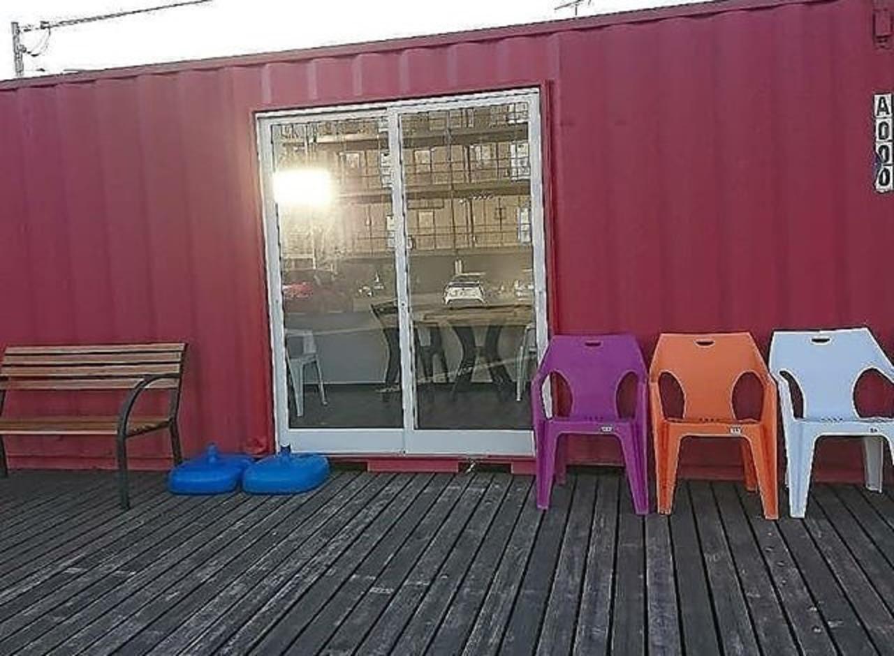 御料理メインのコンテナカフェ...宮崎県都城市立野町に「カフェドホープ」昨日グランドオープン