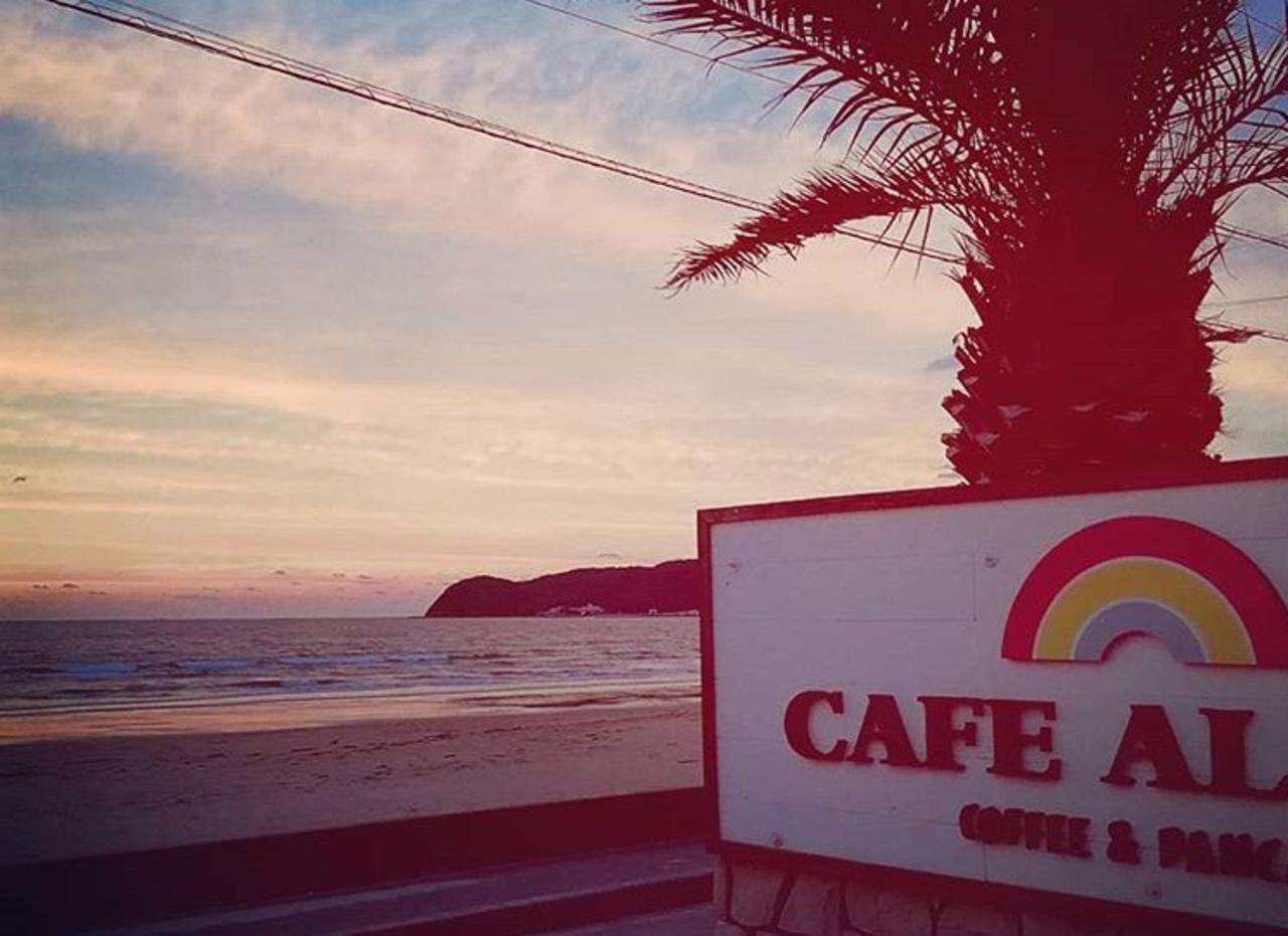 オーシャンビューのパンケーキカフェ...福岡県福津市福間海岸の「カフェアロハ」