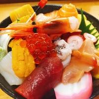 店主は和食の料理人歴30年以上! 豊富な料理をとりそろえる和食店! 味叶