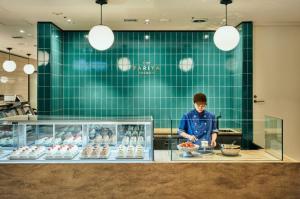 日本橋高島屋S.C.新館にショートケーキ専門店ショートケイクス併設「PARIYA」本日オープン